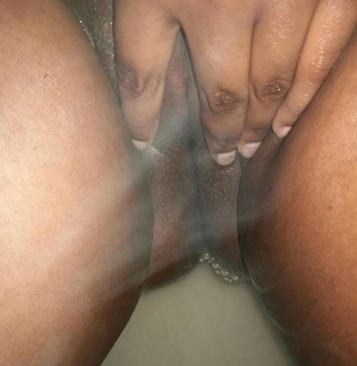 Shaved pussy for your xxx pleasure